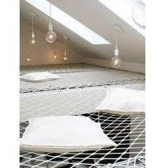 Een hangmat als plafond. Dat is toch heel normaal?!