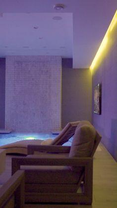 Home Room Design, Dream Home Design, Modern House Design, Home Interior Design, Interior Garden, Spa Room Decor, Gym Room At Home, Home Decor, Spa Rooms