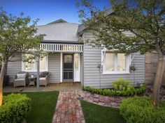 3 Bedroom Properties for Sale in Geelong West, VIC 3218 Pg. Bungalow Exterior, Cottage Exterior, Exterior House Colors, Exterior Design, Silo House, Facade House, Weatherboard Exterior, Brick Path, Pallet House