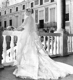 Back view of Grace Kelly's wedding down.
