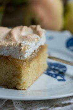 Bedstefars skæg kage med æblemos. En opskrift fra Marinas Mad Healthy Treats, No Bake Desserts, Let Them Eat Cake, Vanilla Cake, Sweet Tooth, Sandwiches, Deserts, Food And Drink, Sweets