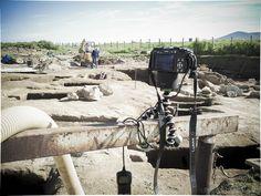 Backstage delle riprese di documentazione terrestre ed aerea di uno scavo archeologico a Vulci - © Foto Beni Culturali 2013