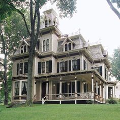 2nd Empire Home Mt. Cisco, NY - good brief article on this style. I do love a high style Second Empire!