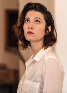 Mary Elizabeth Winstead looking up Mary Elizabeth Winstead, Scott Pilgrim, Bobby, Ramona Flowers, Actrices Hollywood, Portraits, Actors, Woman Crush, Girl Crushes