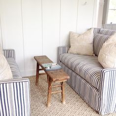 Cool bench as coffee table #smallspacesolutions