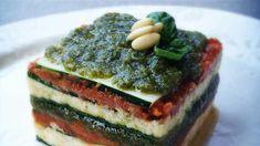 Lasagna di zucchine, pesto e formaggio di macadamia