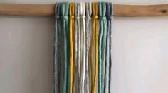 Aprenda a fazer Macrame para iniciante passo a passo Macrame Wall Hanging Diy, Macrame Art, Macrame Projects, Macrame Knots, Rope Crafts, Macrame Earrings, Macrame Design, Macrame Tutorial, Macrame Patterns