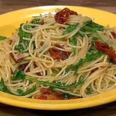 Spaghettitini with Arugula and Sun Dried Tomatoes - Mario - The chew
