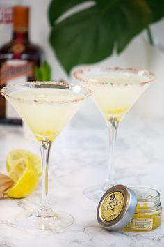 lemondrop cocktail Wine Cocktails, Cocktail Drinks, Fun Drinks, Smoothie Drinks, Smoothies, Lemonade, Liquor, Champagne, Dessert