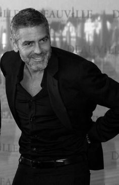 Guys you can always play it safe on a first date in all black via George Clooney #fashion #dating #datingtip