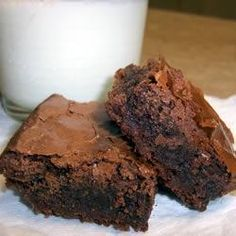 Ingredients 1 cup butter, melted 3 cups white sugar 1 tablespoon vanilla extract 4 eggs 1 cups all-purpose flour 1 cup unsweetened cocoa powder 1 teaspoon salt 1 cup semisweet chocolate chips Chocolate Morsels, Chocolate Treats, Chocolate Chips, Homemade Brownies, Best Brownies, Baking Recipes, Dessert Recipes, Marijuana Recipes, 9x13 Baking Dish
