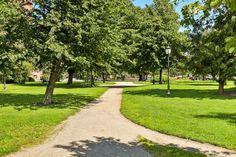 (2) Urbant og grønt: Lun fireroms inn mot idyllisk bakhage   FINN.no Fredrikstad, Sidewalk, Real Estate, Home, Ad Home, Real Estates, Homes, Houses, Pavement