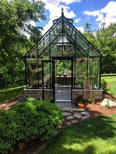 Get inspired ideas for your greenhouse. Build a cold-frame greenhouse. A cold-frame greenhouse is small but effective. Diy Greenhouse Plans, Outdoor Greenhouse, Best Greenhouse, Greenhouse Wedding, Greenhouse Gardening, Outdoor Gardens, Pallet Greenhouse, Greenhouse Heaters, Homemade Greenhouse