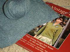 KnitterNutter: Kauni and her friends Fair Isle Knitting Patterns, Knitting Designs, Crochet Stitches Free, Stitch Patterns, Free Pattern, Friends, Fair Isles, Color, Christmas