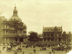 Kerkplein in Pretoria,South Africa (year unknown). Pretoria, Love Home, African History, Creative Writing, Cape Town, Mud, Big Ben, Vintage Photos, Places To Travel