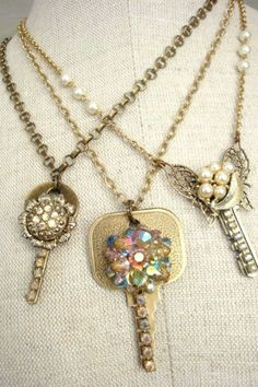 "<p>With a little polishing and some imagination, you can easily transform these antiques into stunning jewelry. </p><p><strong>Get the tutorial at <a rel=""nofollow"" href=""http://www.mysalvagedtreasures.com/2010/12/repurposed-keys-and-vintage-jewels.html"">My Salvaged Treasures</a>.</strong></p>"