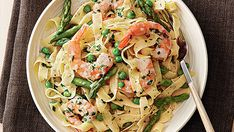 Shrimp and asparagus are often paired in pasta, but the addition of creamy coconut milk adds a fresh twist to the classic combination.Bring a large pot of well-salted water to a boil. Cook the pasta … Cooking With Coconut Milk, Coconut Milk Nutrition, Pasta Nutrition, Broccoli Nutrition, Coconut Milk Recipes, Prawn Pasta, Tagliatelle Pasta, Seafood Recipes, Pasta Recipes