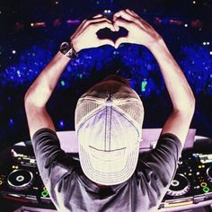 P Avicii😪 uploaded by Tattooed Butera on We Heart It Home Music, Dj Music, Music Is Life, Edm, Avicii Album, Tim Bergling, A State Of Trance, Electro Music, Best Dj