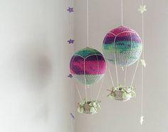 BeusBabicova / dva lietajúce balóny.