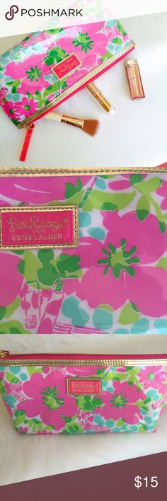 """Lily Pulitzer Floral Makeup Bag NWOT Gorgeous Lily Pulitzer for Estée Lauder makeup bag. Perfect bag for storing all your makeup necessities or for traveling. Very roomy so you can definitely fit a lot on there.    • 5""""H x 10""""W  ✖️ no holds ✖️ no trades  ✔️ bundle and save 10% on 3+ items Lilly Pulitzer Makeup Brushes & Tools"""
