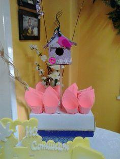Porta conos, práctico para pocholo u otras golosinas de mesa dulce.