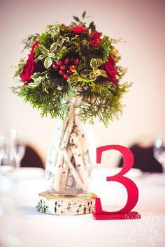 Цветочная композиция на стол гостей и номер стола