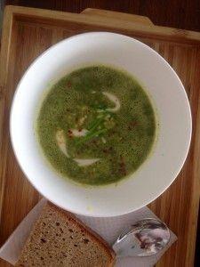 freitag 31.7.  green kiss - kräuterkuss unter pinien  happy dish - schweinsfilet trifft marille spina(t)kopita  - mürbteig & feta (vegetarisch)  peanut brownies