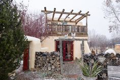 Our Love Affair with Taos — Traveling Newlyweds Cozy Inn, Taos New Mexico, Earthship Home, Love Affair, Rafting, Santa Fe, American Indians, Newlyweds, Vacation Spots