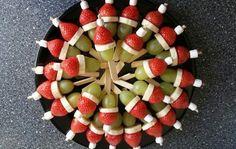 10 makkelijke hapjes voor de perfecte kerstborrel - Christmaholic.nl Snacks Für Party, Croissant, High Tea, Ants, Fruit Salad, Fig, Quiche, Food And Drink, Appetizers