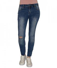Γυναικείο Τζήν Μεσοκάβαλο CY738 #γυναικείατζιν #παντελόνια #μόδα #γυναίκα #ψηλόμεσατζιν #womensjeans #fashion #style Skinny Jeans, Pants, Fashion, Skinny Fit Jeans, Moda, Trousers, Fashion Styles, Women Pants, Women's Pants