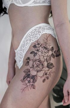 Flower Hip Tattoos, Hip Thigh Tattoos, Floral Thigh Tattoos, Tattoos For Women Flowers, Hip Tattoos Women, Mini Tattoos, Sexy Tattoos, Cute Tattoos, Upper Leg Tattoos