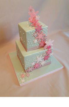 Snowflake cake - Cake by jameela Gorgeous Cakes, Pretty Cakes, Cute Cakes, Amazing Cakes, Snowflake Cake, Snowflakes, Fondant Cakes, Cupcake Cakes, Winter Wonderland Cake