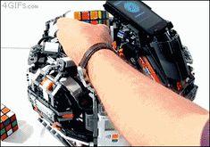 Robot resuelve cubo Rubik en cuestión de segundos