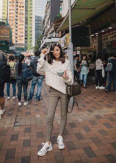 Jenny Tsang of Tsangtastic wearing designers remix cable knit sweater plaid skinny pants chanel sneakers longchamp MADELEINE bag in Hong Kong Skinny Pants Outfits, Trouser Outfits, Casual Outfits, Cute Outfits, October Outfits, Hong Kong Fashion, Love Fashion, City Fashion, Street Fashion