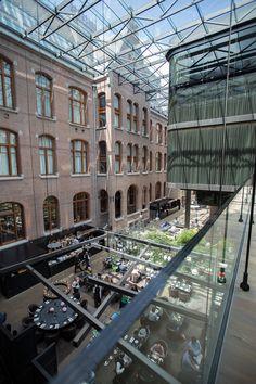 Architecture in the Conservatorium Hotel Amsterdam - design by Piero Lissoni
