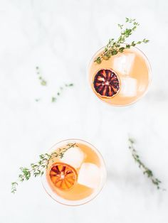 Ginger Thyme Blood Orange Sparkler healthy cocktail | Craftandcocktails.co