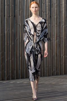 Diana Orving Stockholm Spring 2016 - Collection - Gallery - Style.com