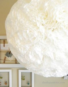 Thrifty and Chic: Coffee Filter Hanging Light Diy Hanging, Hanging Lights, Decor Crafts, Home Crafts, Fun Crafts, Paper Crafts, Next Bedroom, Rustic Farmhouse Decor, Coffee Filters