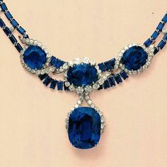 @Remalfala from @christiesjewels - #tbtnecklace from the Florence J. Gould