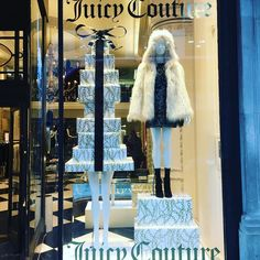 """JUICE COUTURE, London, UK, """"For it is in giving that we receive"""", photo by Window Shoppings, pinned by Ton van der Veer"""