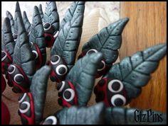 Alfileres de novia artesanales, realizados con mucho cariño con arcilla polimérica (fimo). Solicita tu catálogo con toda la info a gizpins@hotmail.com También en http://www.gizpins.es