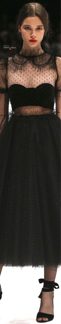 Djaba Diassamidze Tbilisi Fall 2018 Black Buffet, Fashion 2018, Womens Fashion, Black Magic Woman, Black White Red, High End Fashion, Shades Of Black, Beautiful Gowns, Editorial Fashion