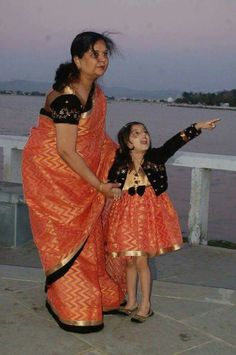 Kids Dress Wear, Mom Dress, Dresses Kids Girl, Kids Outfits, Mom Daughter Matching Outfits, Frocks And Gowns, Mother Daughter Fashion, Kids Dress Patterns, Kids Lehenga