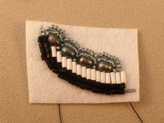 Basic Bead Embroidery Stitches Tutorial.  Also note the links at the bottom to Bead Embroidery book reviews. #seed #bead #tutorial