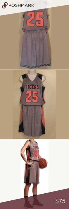 Womens Auburn Tigers Basketball Uniform Small Womens Auburn Tigers Small Basketball Jersey/Shorts #25 Under Armour  New Under Armour Shorts