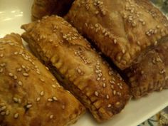 Delicious easy to make sausage rolls with a bit of extra flavour. Sausage Rolls, Finger Foods, Banana Bread, Good Food, Pork, Beef, Lunches, Easy, Desserts