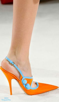 shoes 2016 http://www.bodas.net/fotografos/las-bodas-de-garcia--e59919