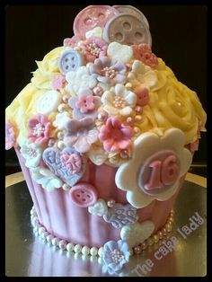 Pearls buttons flowers pink lilac white giant cupcake