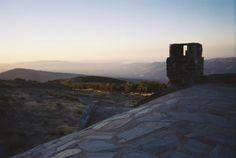 Sierra Nevada, desde el refugio de la Polarda vemos al fondo Almería y el Mediterráneo
