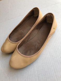 c6098b72ce22 UGG Australia Ballet Flats Size 8 Nude Patent Leather Women Medium Beige  Antora  fashion  clothing  shoes  accessories  womensshoes  flats (ebay  link)